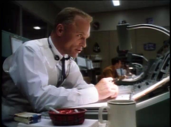 Movie Trailer: **APOLLO 13** *Tom Hanks, Kevin Bacon, Bill Paxton* 1995
